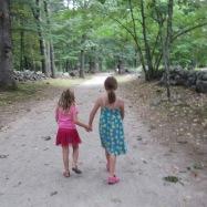 minuteman-girls-holding-hands