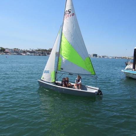 girls-sailing