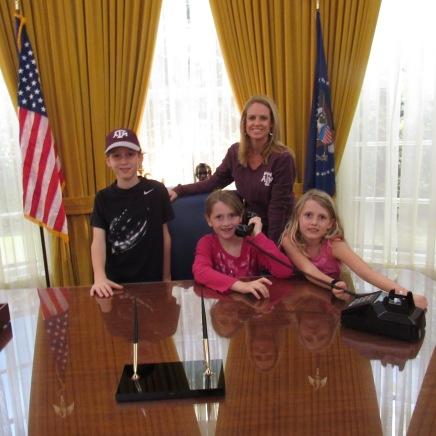oval office me kids nixon