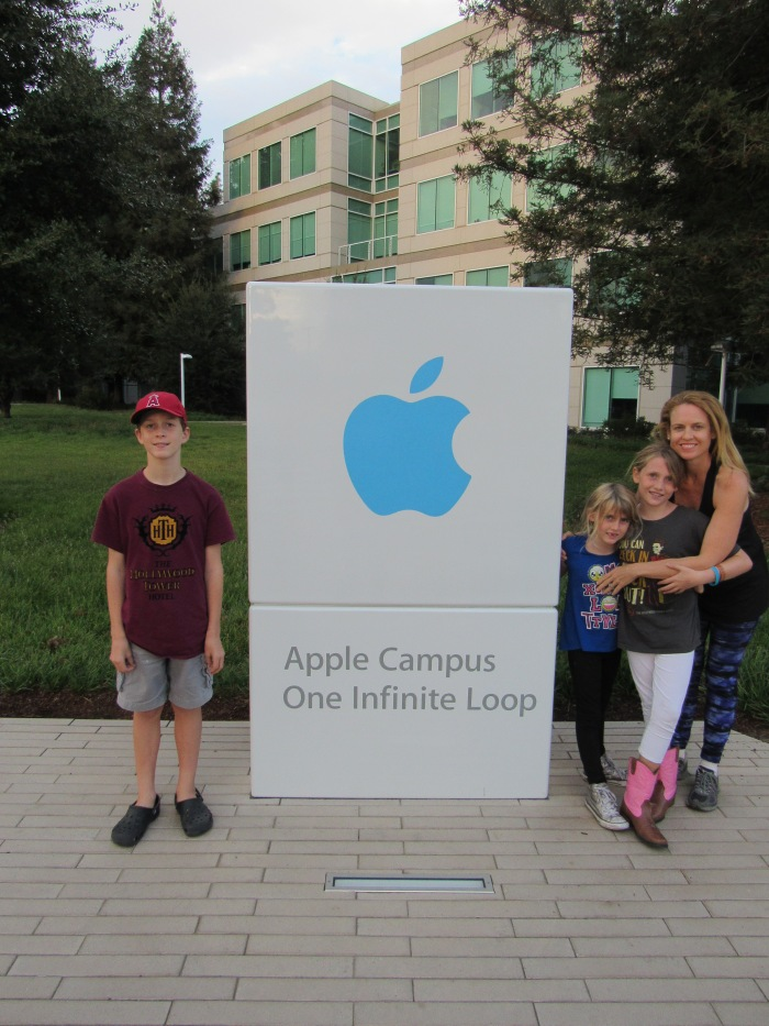 apple hq mom and kids